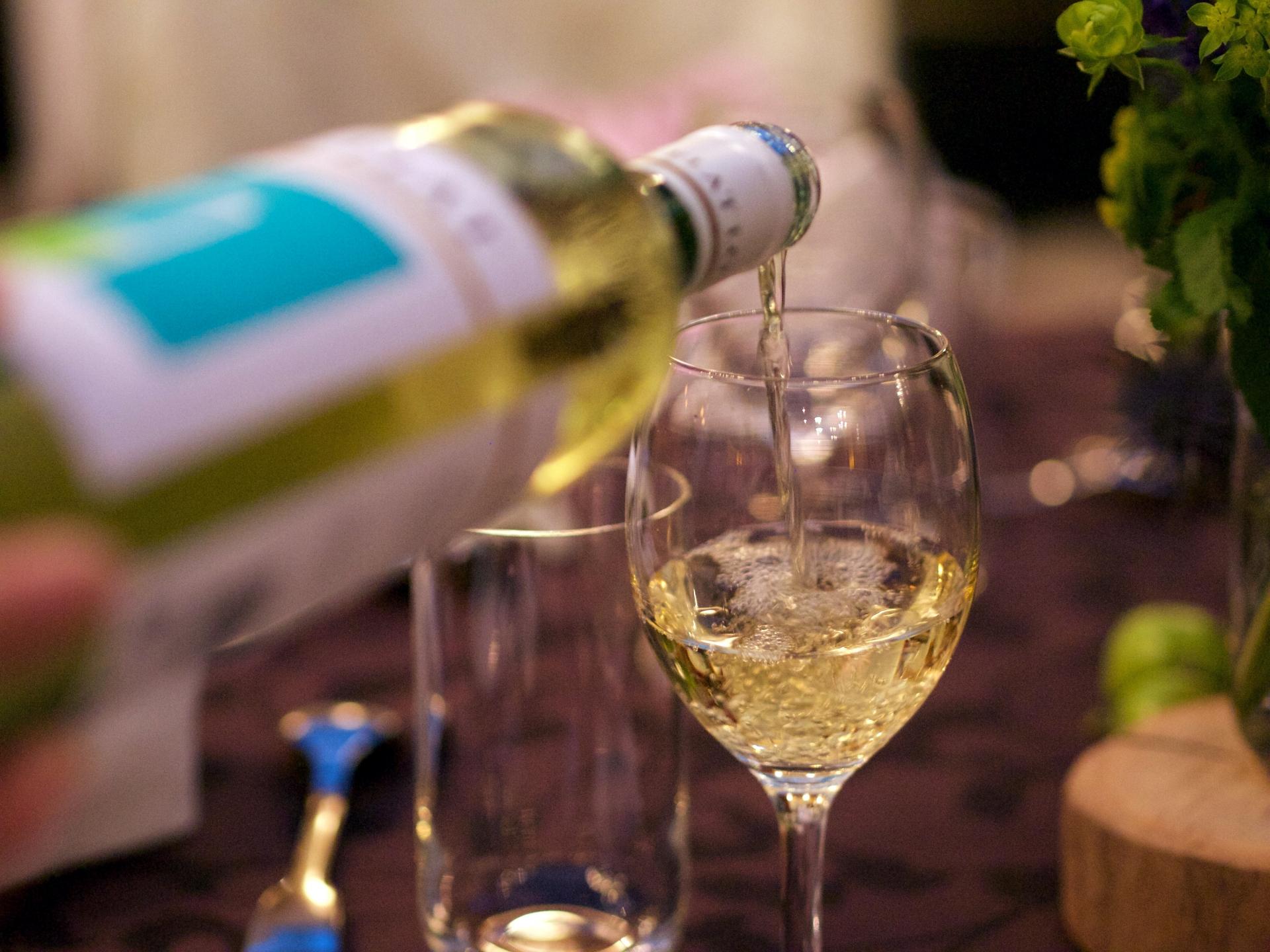 酒のつまみシリーズ第3弾!Uber Eats福岡加盟店の白ワインに合うおつまみ4選!